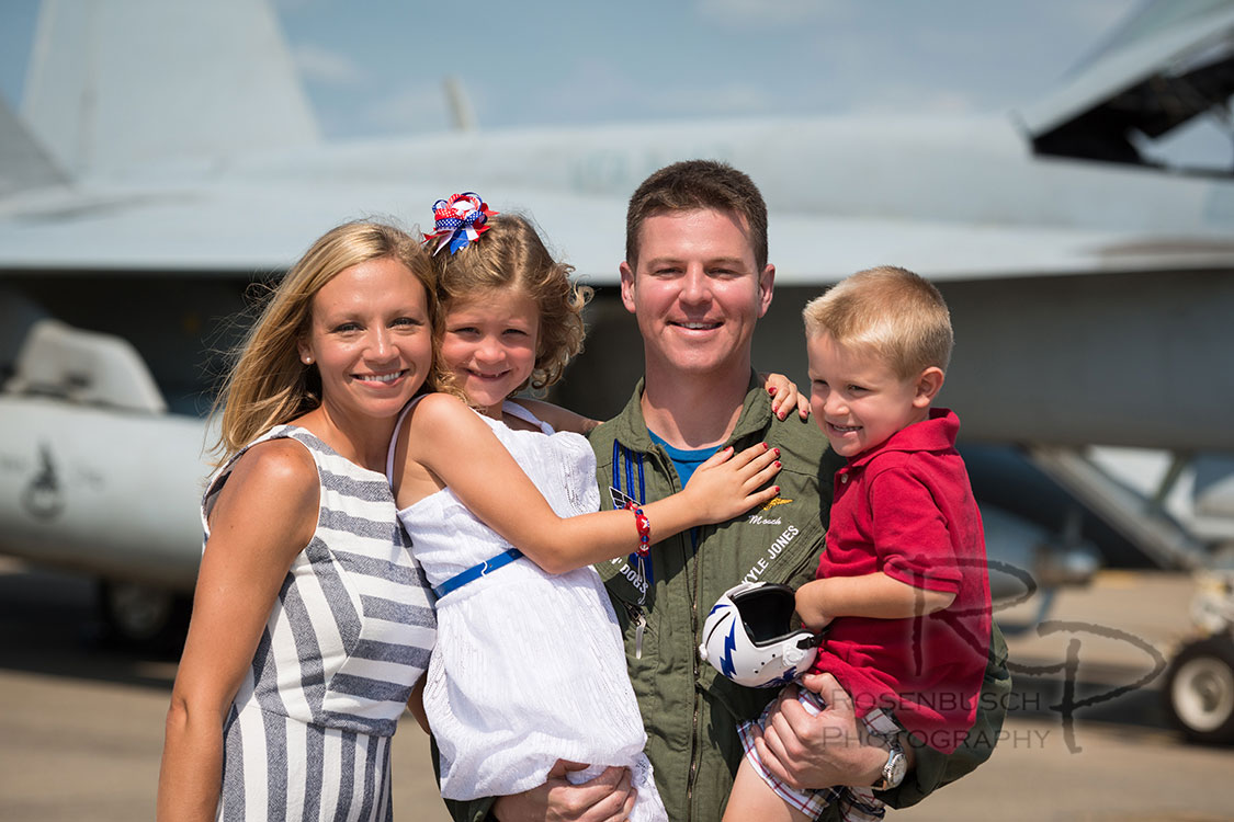 20160712_Jones Homecoming, VFA-143_040